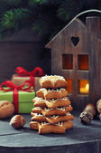 Fir tree from ginger biscuits — 图库照片