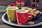Hot chocolate with ginger cookies — 图库照片