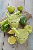 Green smoothie — Stock Photo