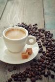 Café expresso quente no copo — Fotografia Stock