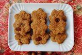 Cinnamon cookies with raisins — Stock Photo
