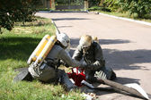 Två brandmän i kemiskt skydd — Stockfoto