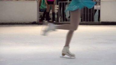 Future Champion. Young skater solo program — Stock Video