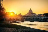 St. Peter's cathedral at sunset, Rome — Stock Photo