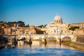 Tiber and St. Peter's cathedral, Rome — 图库照片