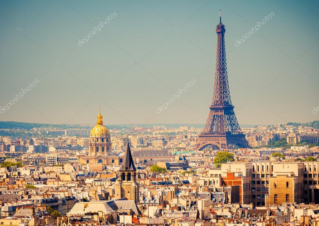查看上埃菲尔铁塔,巴黎