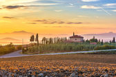 Tuscany landscape at sunrise — Stockfoto