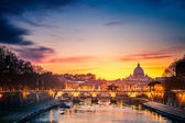 St. Peter's cathedral at night, Rome — Foto Stock