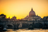 St. Peter's cathedral at dusk, Rome — Stock Photo