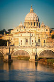 Tiber and St. Peter's cathedral, Rome — Stock Photo