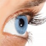 Woman's eye with long eyelashes — Stock Photo