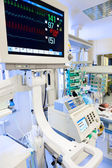 ECG monitor in neonatal ICU — 图库照片