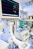 Monitor de ecg em uti neonatal — Foto Stock