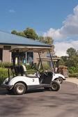 Golf cart parked — Stockfoto
