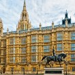 Richard I statue outside Palace of Westminster, London — Stock Photo