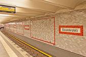 Alexanderplatz tecken på u-ban station i berlin — Stockfoto