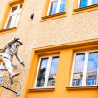 Sculpture called the Mauerspringer in Berlin, Germany — Stock Photo