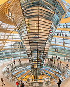Eople visit the Reichstag dome in Berlin, Germany — Stock Photo