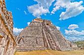 Ancient mayan pyramid in Uxmal, Yucatan, Mexico — Stock Photo