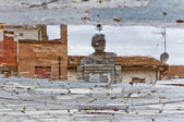 Reflection of monument to Vladimir Lenin in Cavriago, Italy. — Stock Photo