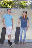 Enfants de skateboard — Photo