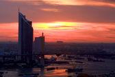 Silueta del horizonte y mega puente de bangkok — Foto de Stock