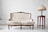 диван в комнате — Стоковое фото