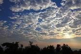 Beautifil sunrise with cloudscape — Stock Photo