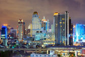 Panoramę centrum bangkoku, w nocy — Zdjęcie stockowe
