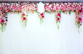 Flowers archway — Stock Photo