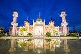 Mezquita con reflexión — Foto de Stock