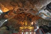 Estatua de Buda de oro — Foto de Stock