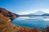 Fujisan with Motosu lake — Stockfoto
