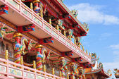A highly colorful and decorative Chinese Temple — Stock Photo