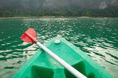 Kayaks in lake on Ratchaprapa Dam,Khao Sok,Thailand — Stock Photo