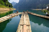 Bamboo rafting in Ratchaprapa dam Suratthani, Thailand — Stock Photo