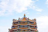 Velmi pestré a dekorativní čínský chrám — Stock fotografie