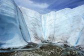 Ice wall with waterfall — ストック写真