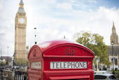 Big ben and red phone cabine — Stock Photo