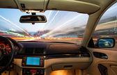 интерьер автомобиля на вождение. — Стоковое фото