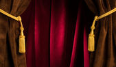 Red theatre curtains — Stock fotografie