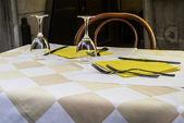 Table dans un restaurant italien. — Photo