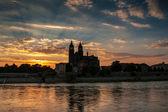 大教堂马格德堡和北河日落时分 — 图库照片