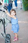 Self-sufficient little girl — Stok fotoğraf