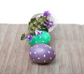 čtvercový rám s velikonoční vajíčka na dřevo — Stock fotografie