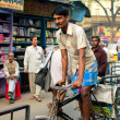 The cycle rickshaw rush on the busy indian street — Stock Photo