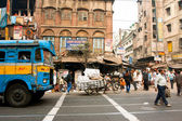 And transport traffic on the asian street — Stockfoto