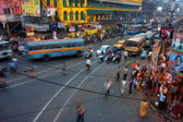Street traffic blurred in motion at evening in the Indian city — Stock Photo