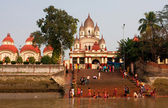 Bathing in the ghat near the Kali Temple — Stock Photo