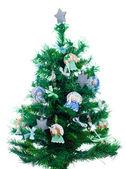 Lite xmas träd med handgjorda dekorationer isolerad på vit — Stockfoto